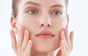 Use sun protection after your glycolic acid cream for acne-prone skin
