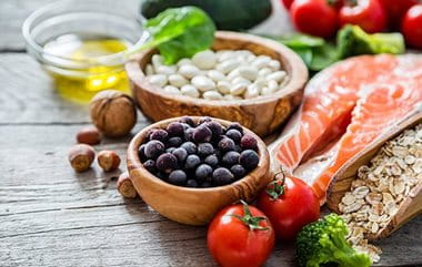 Nutrition for acne: a healthy, balanced diet