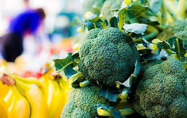 Zinc-rich green vegetables such as brocolli may help you to avoid acne