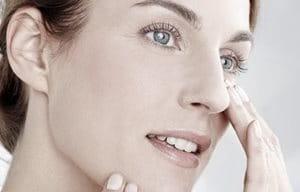 Användningen av anti-ageing-produkter kan bidra till att minska uppkomsten  av rynkor. 16f520f9d7a61