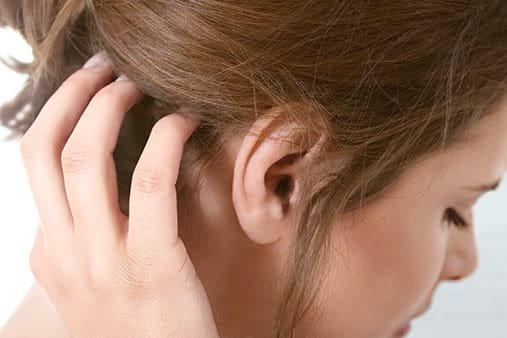 hudflagor i hårbotten